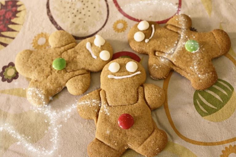 .gingerbread cookies