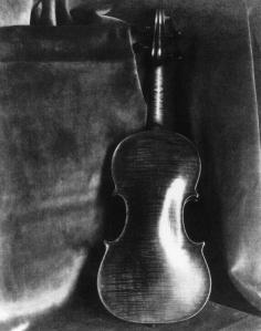 .Violin, 1920s