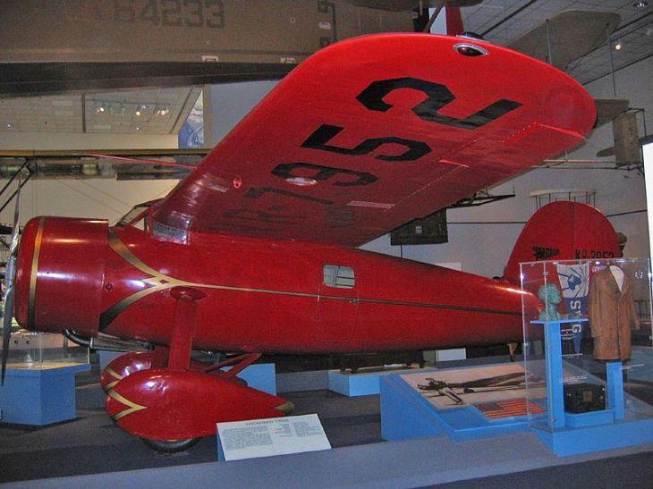 800px-Lockheed_Vega_5b_Smithsonian