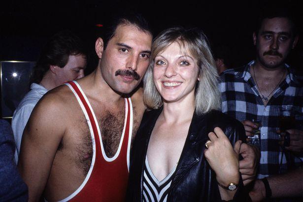 0_Freddie-Mercurys-38th-Birthday-05-Sep-1985