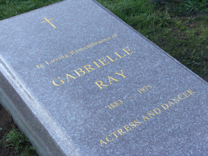 mhg_gabrielle_ray_memorial_installed_by_the_music_hall_guild.jpg
