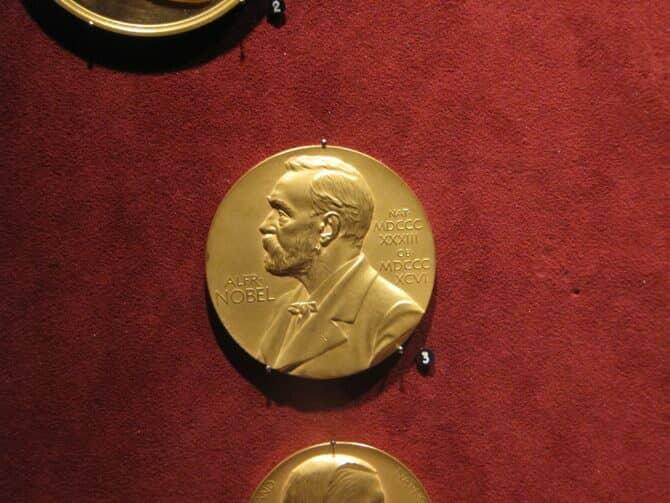 medalla-alfred-nobel-670x503